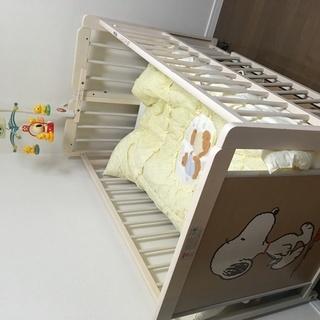 SNOOPY 赤ちゃんのベビーベッドセット(ベビーベッド・メリー...