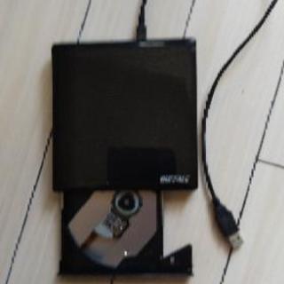 (商談中)BUFFALO USB2.0用 外付けDVDドラ…