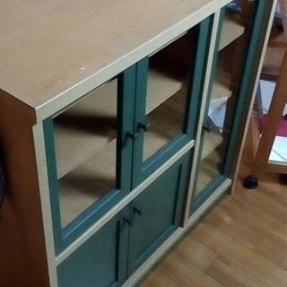 引取り決定しました! 小さな食器棚。