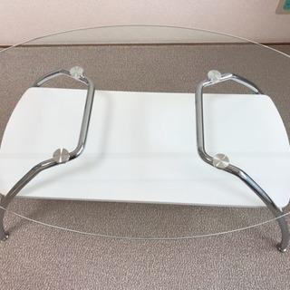 ニトリのガラステーブル