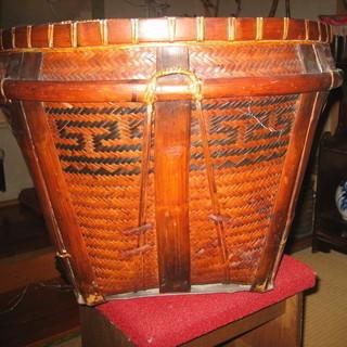 再投稿、竹かご「東南アジア産」受取可能な方直径60×高70