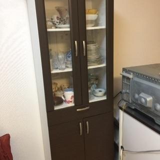 食器棚無料で差し上げます