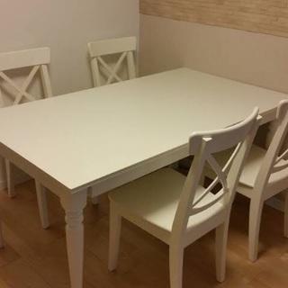 IKEA インガートルプ 伸長式テーブル イス4脚付き