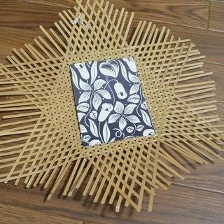 竹細工の壁掛け(ポストカードなどの飾りに!)