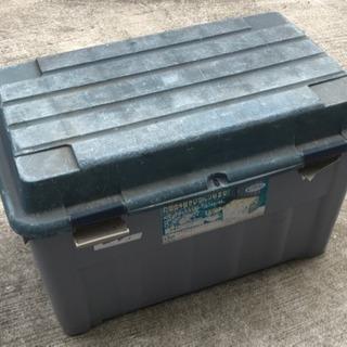【決定済】TENMA ベランダボックス。灯油缶が4缶はいります。②