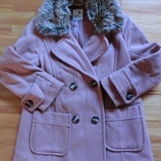 コーラルピンクのコート