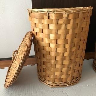 オシャレで収納や、洗濯物カゴ、ハットなど用途多彩なカゴ、入れ物!! - 家具
