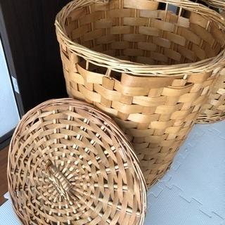 オシャレで収納や、洗濯物カゴ、ハットなど用途多彩なカゴ、入れ物!! − 沖縄県