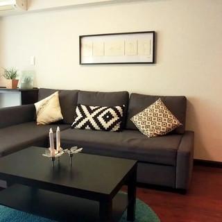 IKEAソファ(FRIHETEN フリーヘーテン)とコーヒーテーブル