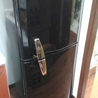 冷蔵庫お譲りします。今日中に引き取りに来てください!