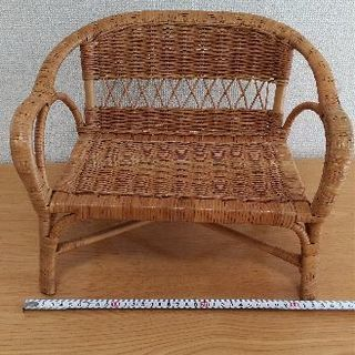 籐のインテリア椅子
