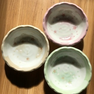 ②陶器食器 3枚