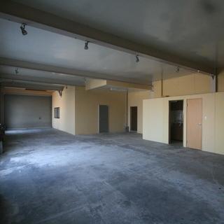 合計約55.5坪の作業スペース!!塗装や倉庫オフィス等、色々な職種...