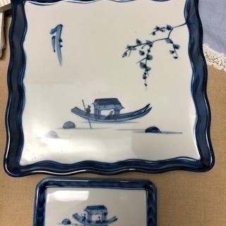 お正月にいかがですか?正方形の大皿と長方形の小皿5枚セット