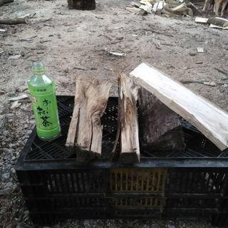 【在庫少なめ】広葉樹2シーズン乾燥薪!長さ35cm。シイ・ブナ中心...