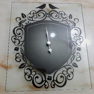 【新品】ガラスの掛け時計 ⚫インコ柄
