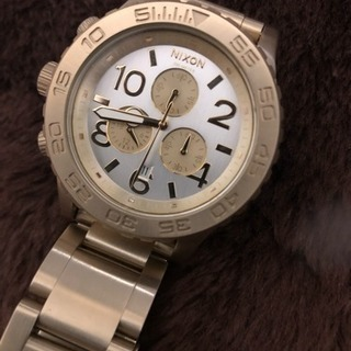 NIXONの腕時計