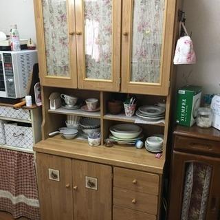 無料  カントリー調  食器棚