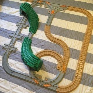 山道線路と貨物車  空間把握おもちゃ2種セット