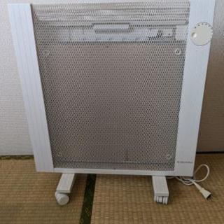 【売ります】遠赤外線パネルヒーター Electrolux EPH812
