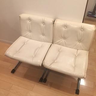 白かった椅子 座り心地良いです 無料! 2脚まとめて!