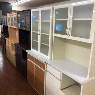 未使用品の食器棚 レンジボードが8本同時入荷!
