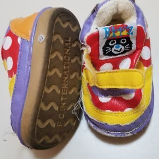 音が鳴る靴