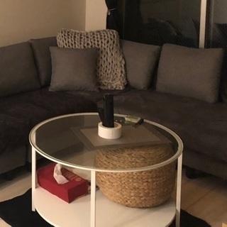 IKEAのガラステーブル