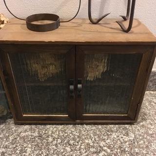 古道具 ガラス戸付き棚
