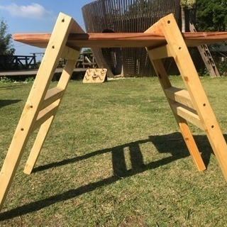 組み立て式テーブル