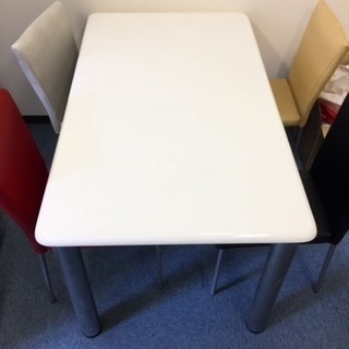 テーブル& 椅子4脚