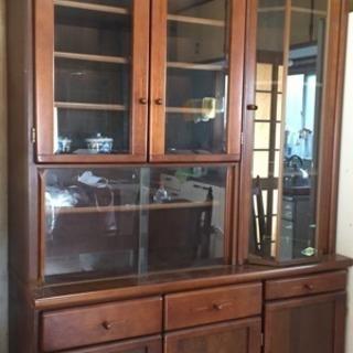 おしゃれな食器棚