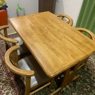 ダイニングテーブル   椅子付き (引き取り確定しました)