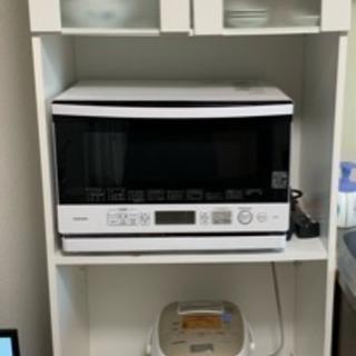 食器棚とレンジや炊飯器が置けるのがセットになった台を無料で譲ります