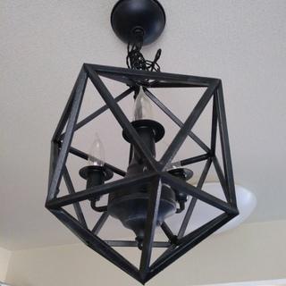 アイアン製シャンデリア (吊り下げ式照明)