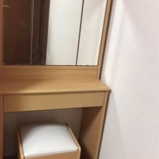 【お取引き中】三面鏡付きのドレッサー メイク台