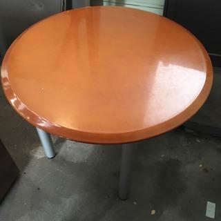 丸テーブル(4つ足)