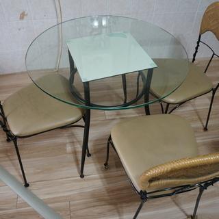 【無料でお譲りします】ガラステーブル&チェアのセット(テーブルのみも可)