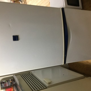 さしあげます(至急) 2003年製 冷凍冷蔵庫 単身者向け Na...