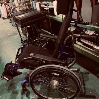 カナヤママシナリー 車椅子 自走式 リクライニング 座幅37 体重...