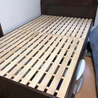 【無料】木製セミダブルベッド