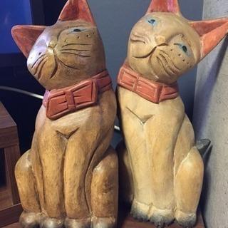 木彫の猫オブジェ