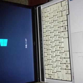 FMV S8390 P8700 2.53GHzメモリ2G HDD40g