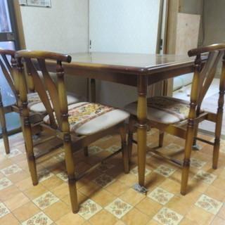 ダイニングテーブル+椅子3脚、無料...