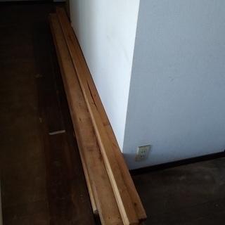 【無料で差し上げます】 材木、木材の端材 DIY、薪にいかがでし...