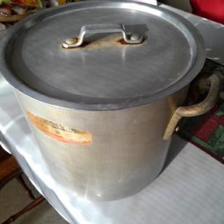 無料 アルミ大型鍋 差し上げます