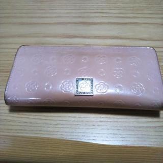 CLATHASの長財布