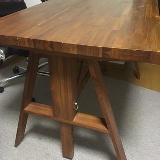 謎のテーブル
