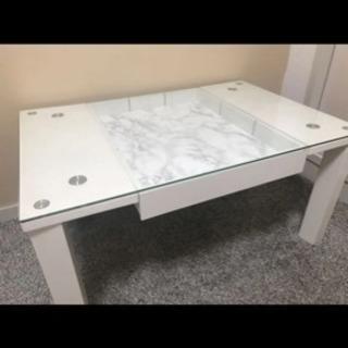 ディスプレイ 大理石ホワイトテーブル