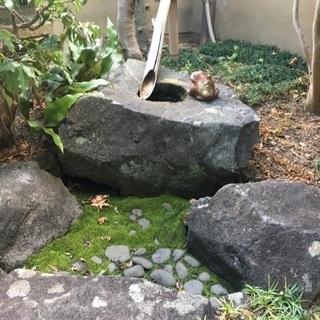 庭作りにお勧め! 天然石 手水鉢 つくばい 本物!